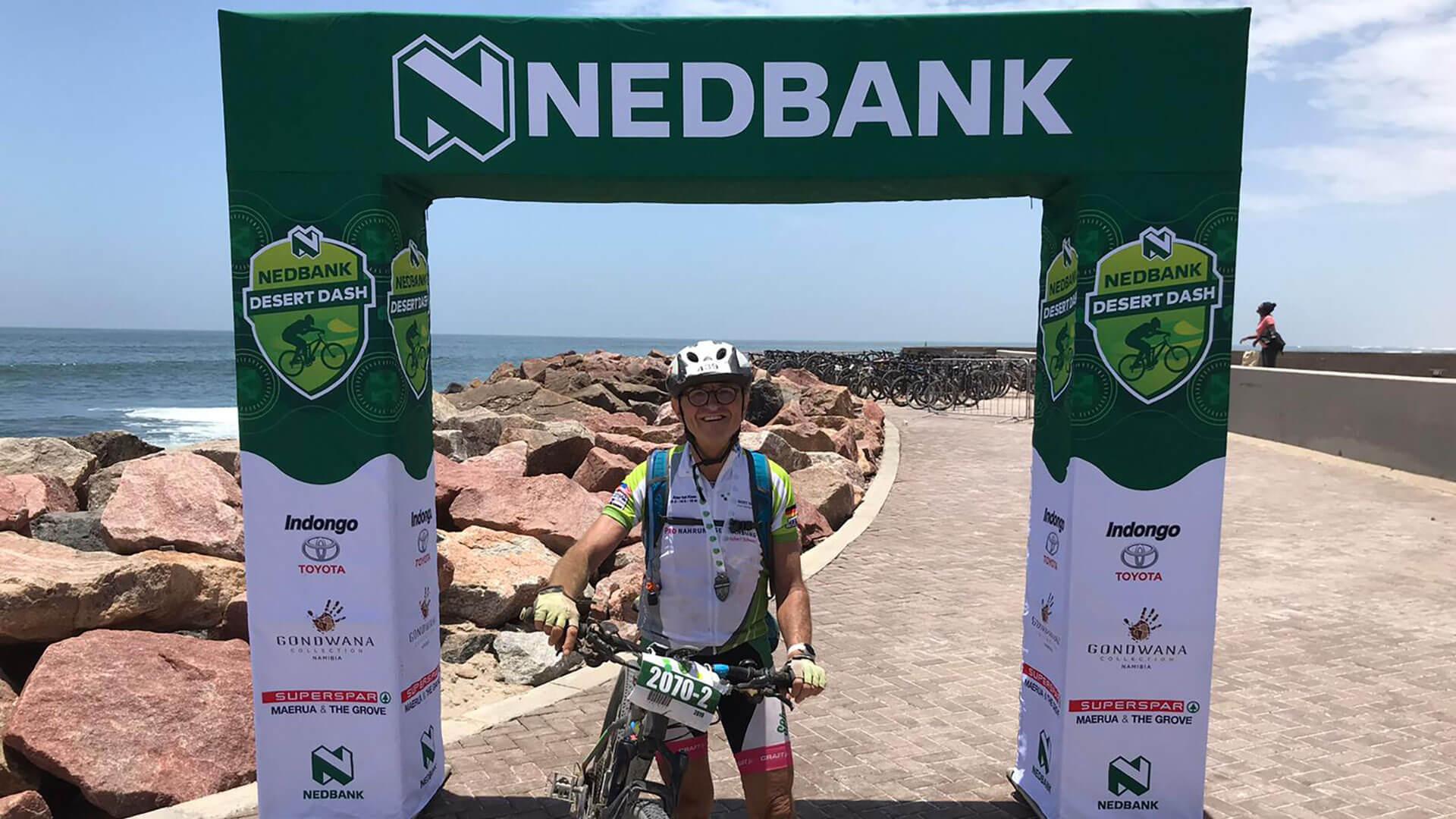 Roland Fuchs absolviert als ältester Teilnehmer den Desert Dash in Namibia